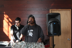 Producer and MC DaiN hosted the Hot16 1983 EP event at 360 Vinyl in Portland Oregon